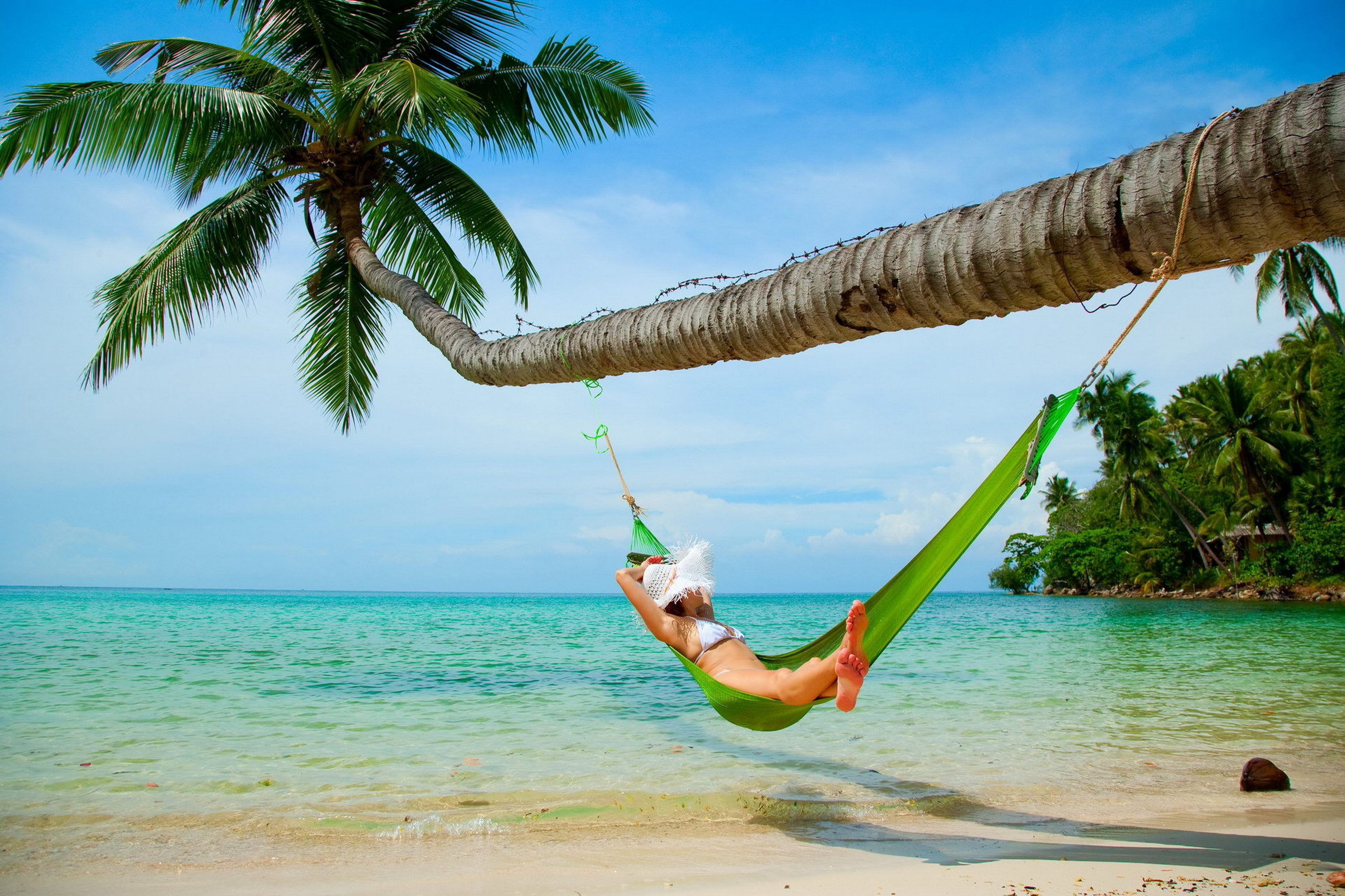 Humeur-de-vacances-vacances-d-t-femme-par-plage-salon-accueil-art-d-cor-bois-cadre