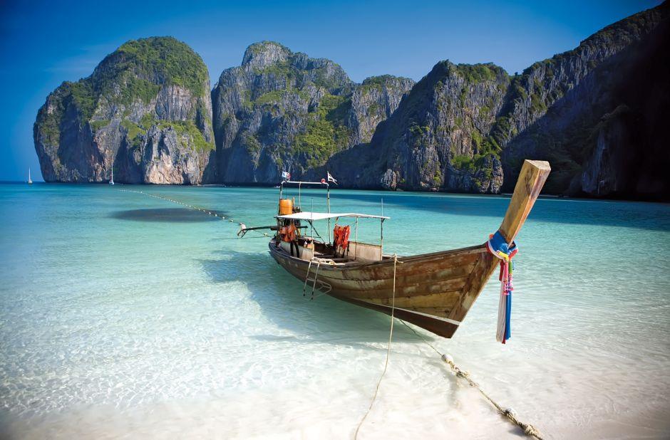 Koh Samui beach boat